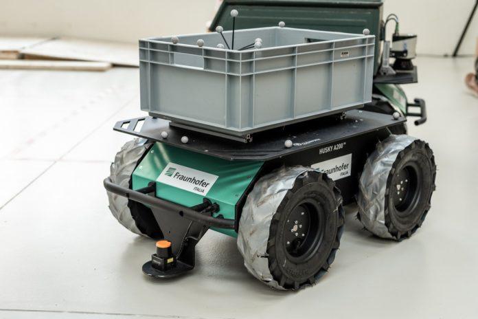 Husky A200 (Credits Fraunhofer Italia Innovation Engineering Center)